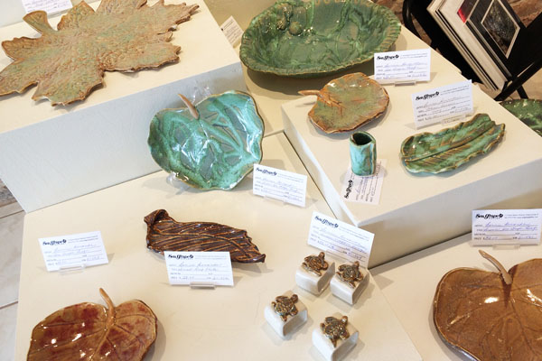 Benande Display 20, Sea Grape Gallery